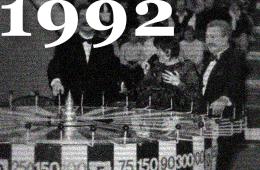 10 октября 1992. В эфире сотый выпуск капитал-шоу «Поле Чудес». О закулисье программы рассказывают её создатели